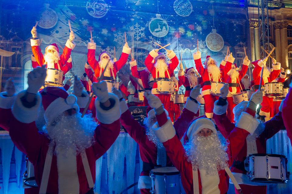 Звезды в Доме музыки и концерты в клубах: куда сходить на Новогодние праздники в Москве