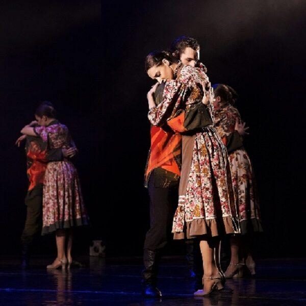 Спектакли в честь юбилея Победы «Дом у дороги» и «Весна священная» театра «Гжель»