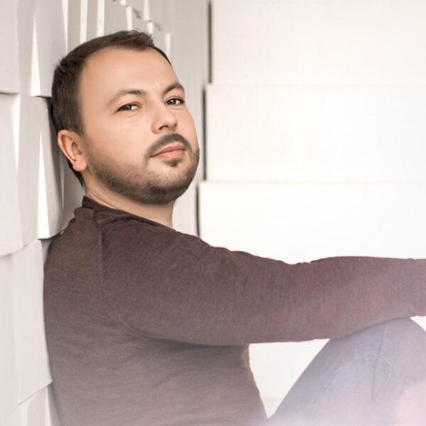 Концерт Ярослава Сумишевского «Ступени ввысь»