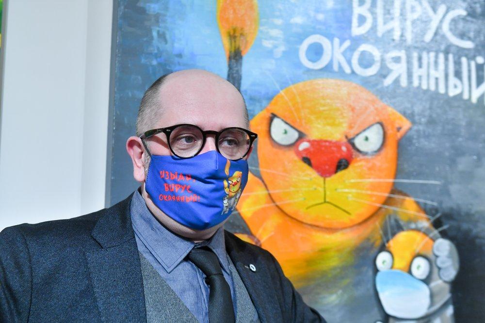 Гуляем по выставке «Изыди, вирус окаянный» с художником Васей Ложкиным