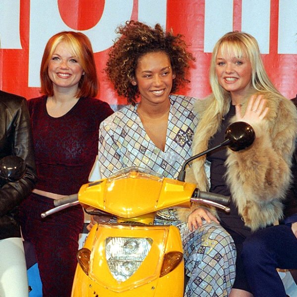 Spice Girls 25 лет: Как сейчас выглядят солистки и кто из них приезжал в Россию