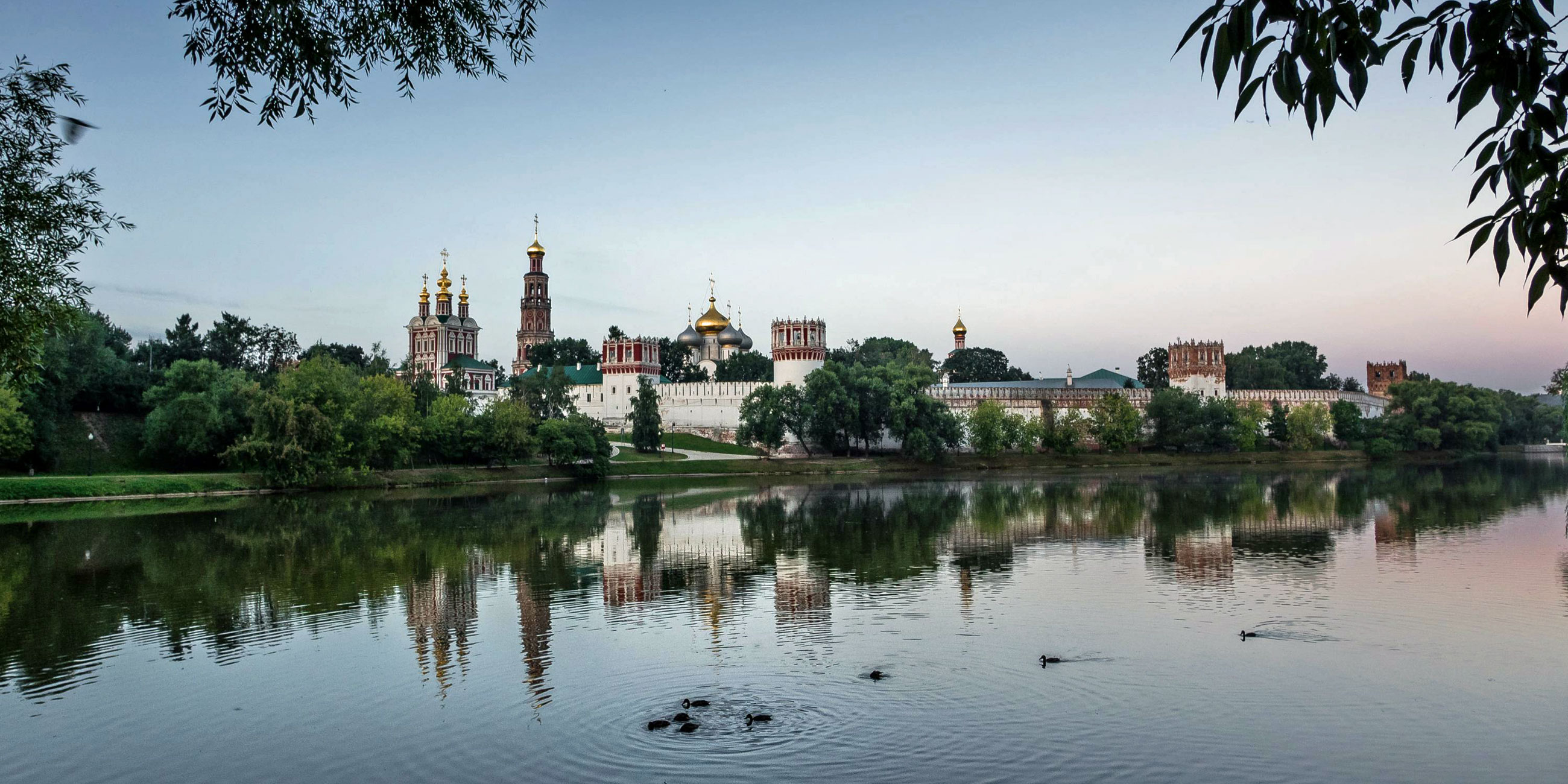 Новодевичий Богородице-Смоленский монастырь в Москве