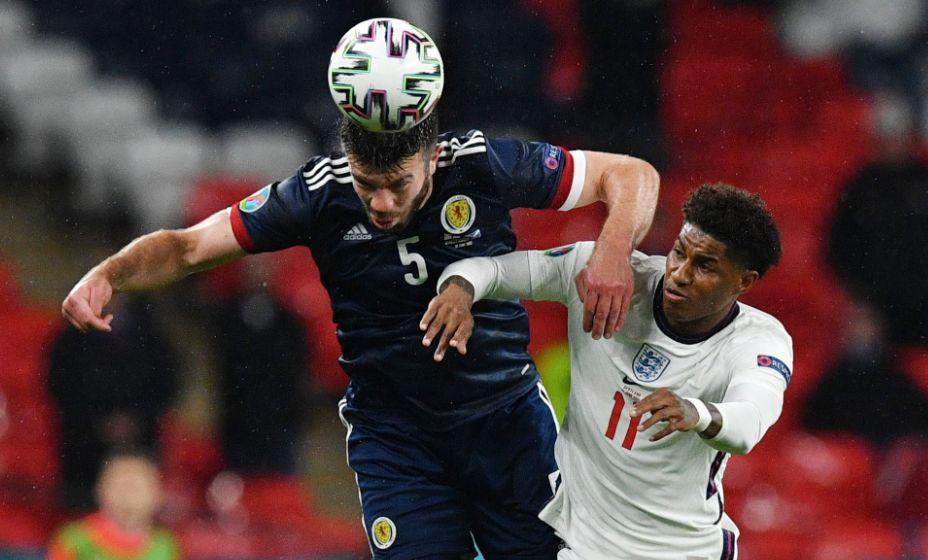 Англичане и шотландцы не сумели распечатать ворота друг друга. Фото: Reuters
