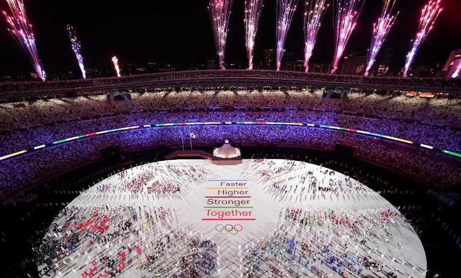 К главному олимпийскому лозунгу «Быстрее, выше, сильнее!» в Токио-2020 добавили новый призыв «вместе». Фото: Reuters