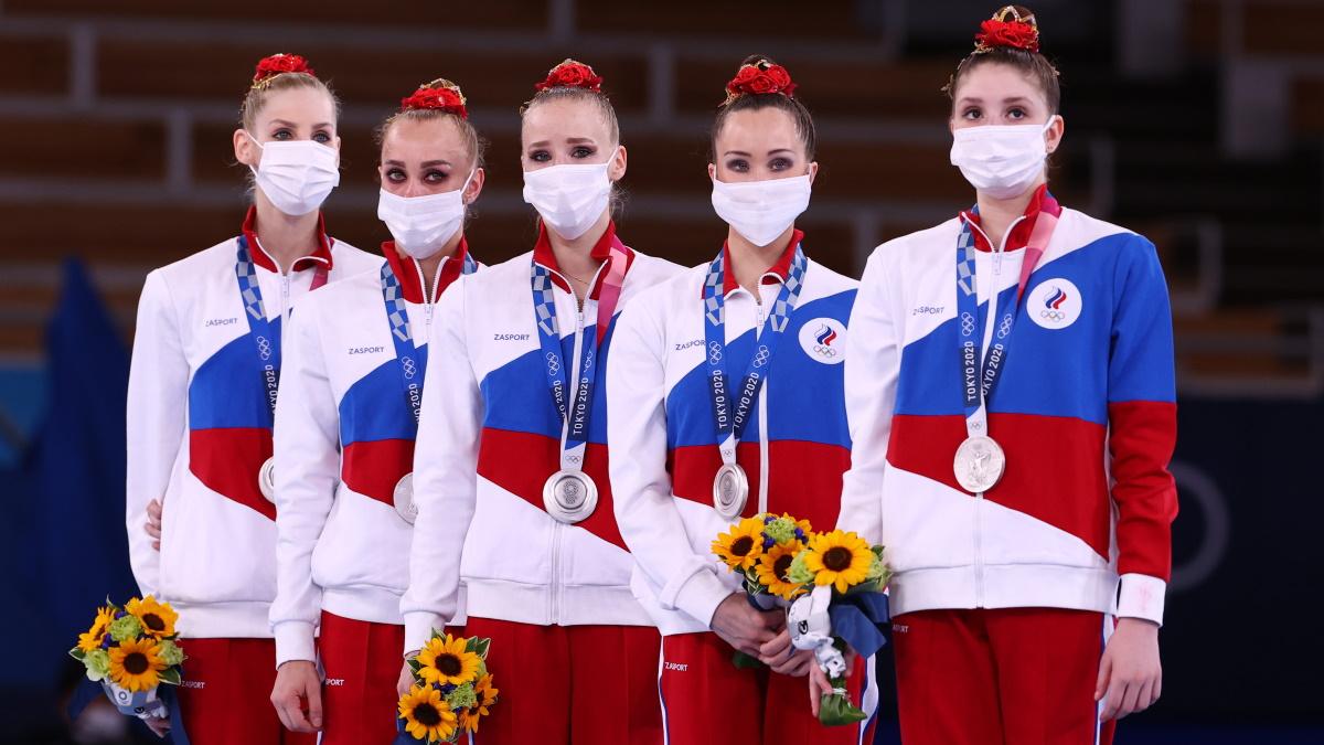 Гимнастки сборной России с серебряными медалями Олимпиады-2020. Фото: REUTERS